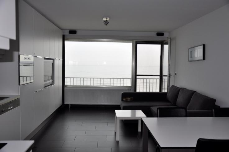 Vakantiestudio so blankenberge met terras en frontaal zeezicht - Kleine studio ontwikkeling ...